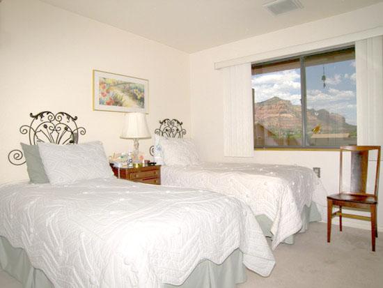 Sedona Winds Indpendent Living Bedroom Photo